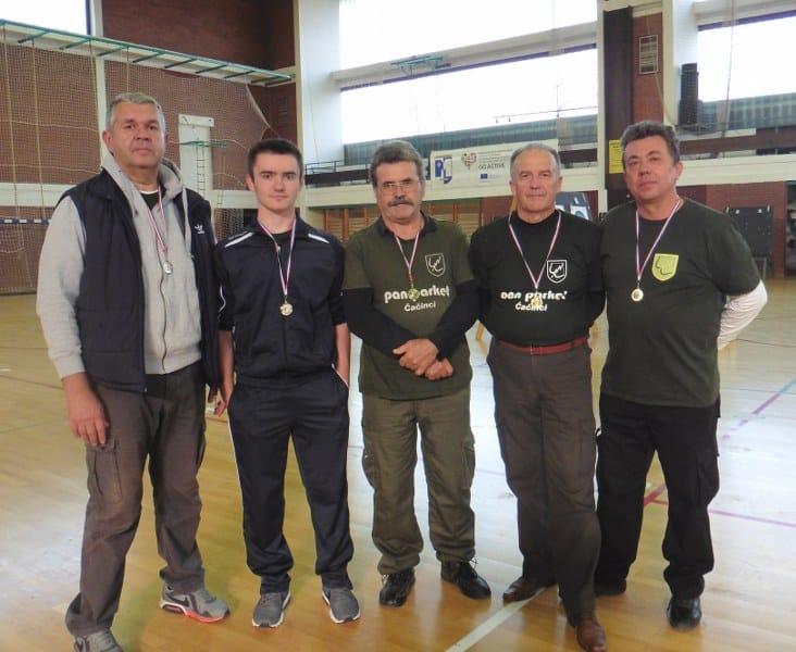 Naši streličari dvoransku sezonu započeli medaljama